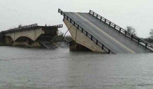 Se cayó el puente que une Goya y Esquina — Corrientes