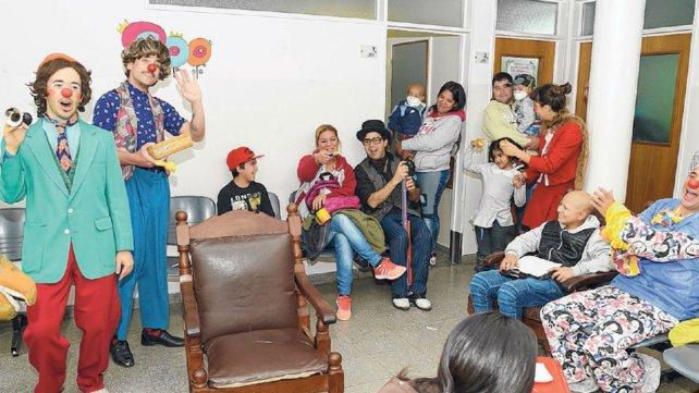 La fundación organiza actividades para que las horas en el Vilela se hagan más livianas y agradables.