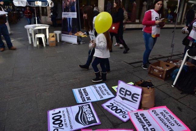 El cruce de las peatonales fue caja de resonancia de las protestas contra los tarifazos.