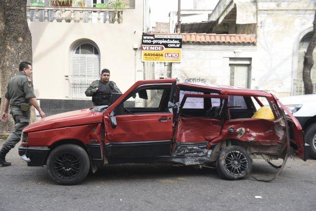 Las huellas de la tragedia. Así quedó el Duna tras el choque que provocó la muerte de su conductor, Andrés Muñoz.