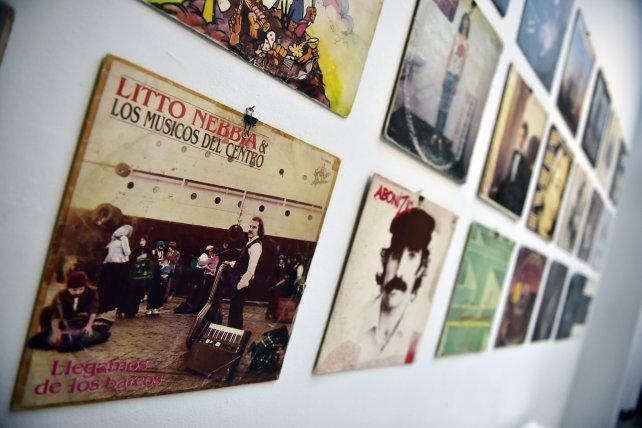 La colección de vinilos abarca los discos publicados en la década del 80.