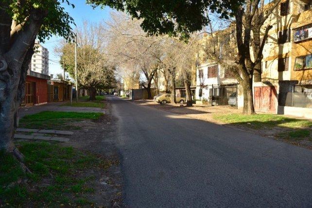 Lola Mora y Lorenzini, en barrio Municipal, donde anoche mataron a una persona.