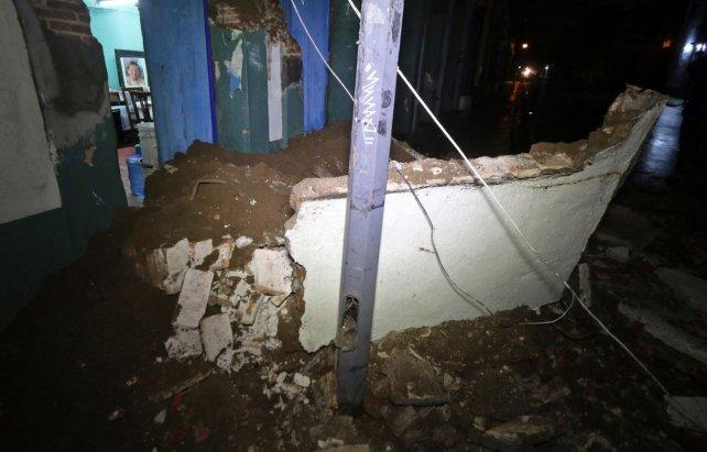 Aumenta a 90 la cifra de muertos por terremoto — México