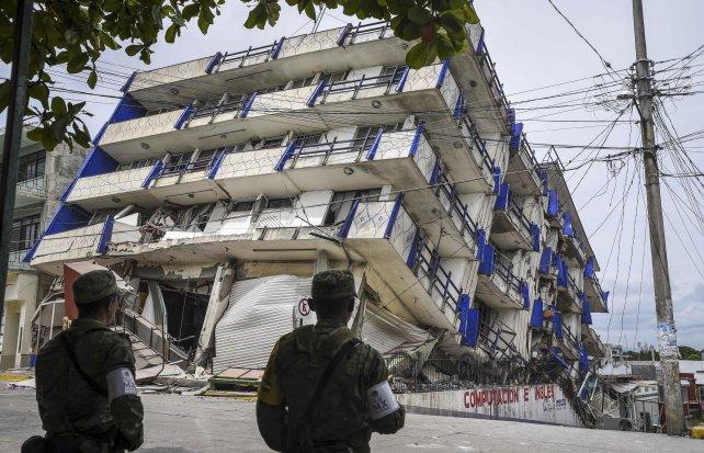 El hotel Sensación, en el estado Oaxaca, se derrumbó con el terremoto.