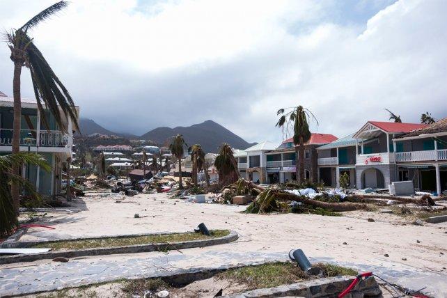 <b>Arrasador.</b> Imágenes del paso del huracán Irma por la isla de Saint Martin.