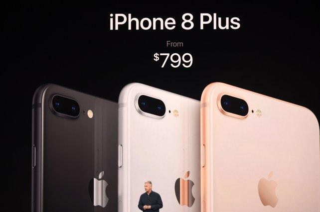 Apple también presentó el Iphone 8 Plus.