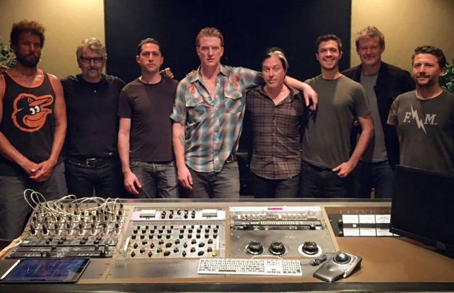 Los integrantes de Queens Of The Stone Age (QOTSA), encabezado por Josh Homme.