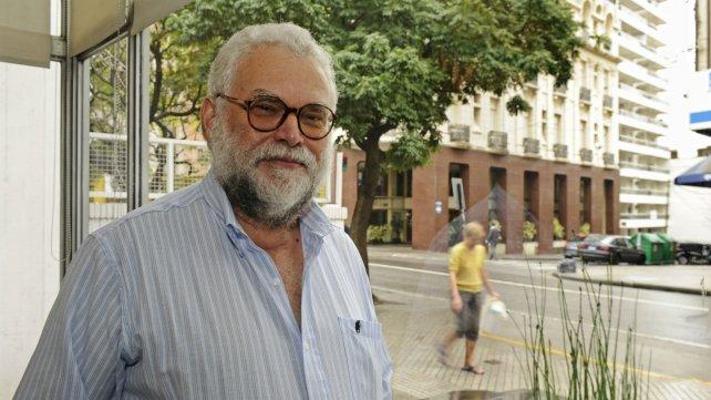 El profesor Roberto Follari.