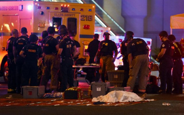 Ya son 50 los muertos y más de 400 los heridos luego del tiroteo en Las Vegas.