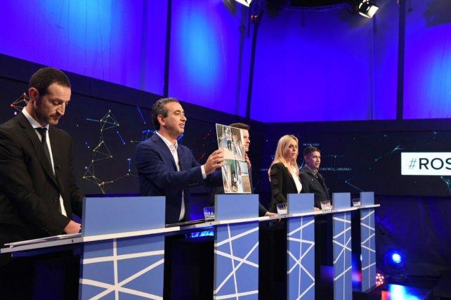Sukerman, Javkin, López Molina, León y Trasante, en pleno debate.
