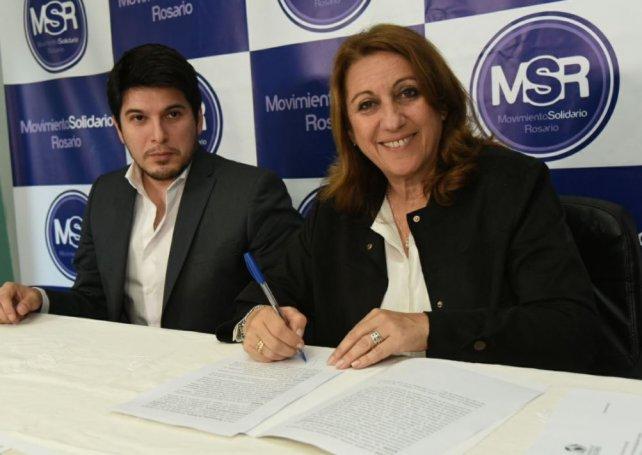 La intendenta firmó un convenio de colaboración con el Movimiento Solidario Rosario para llevar adelante un proyecto de inclusión social de los cuidacoches.