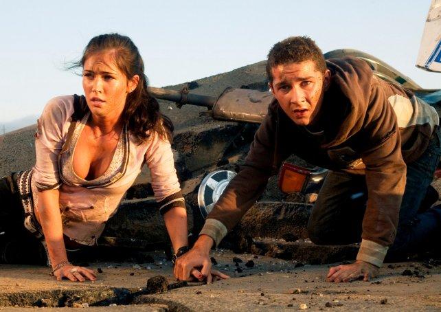 "Shia LaBeouf junto a Megan Fox en ""Transformers""."